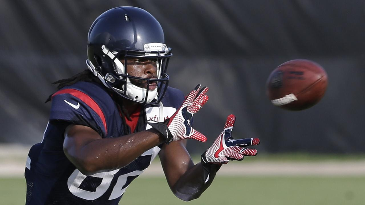 Houston Texans wide receiver Keshawn Martin makes a catch during NFL football training camp Tuesday, July 29, 2014, in Houston.