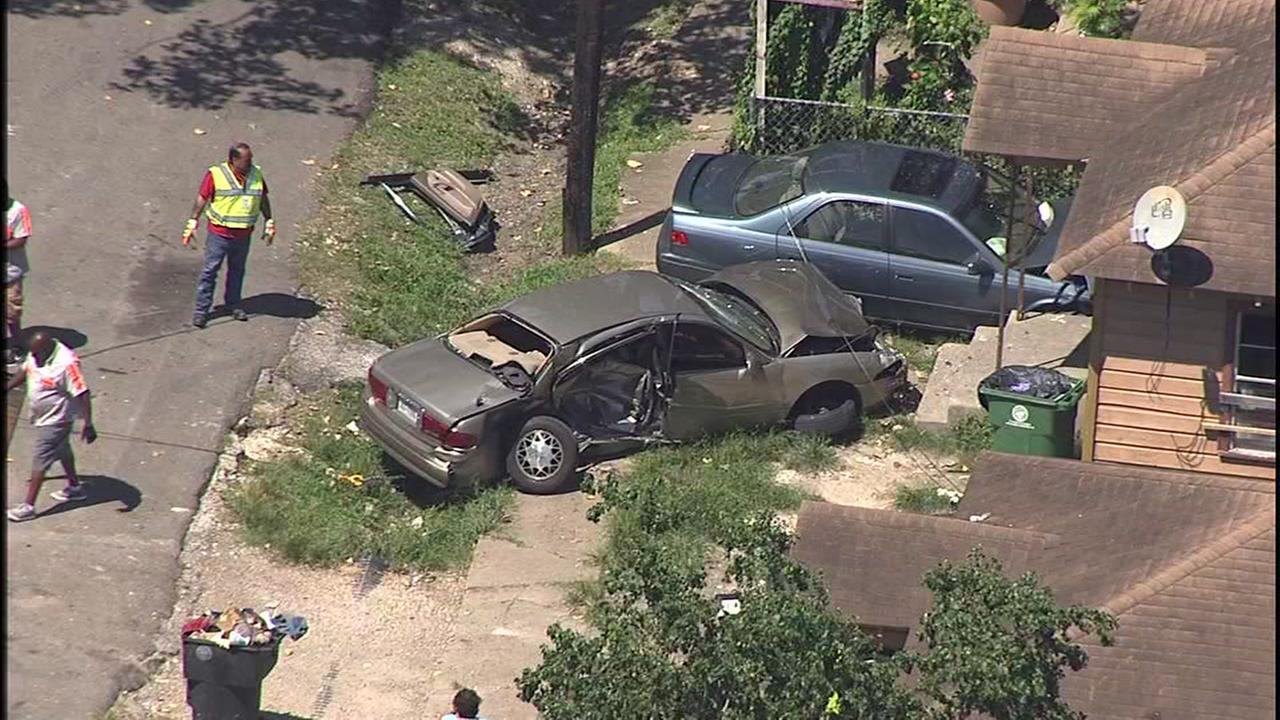 Car strikes house in northeast Houston