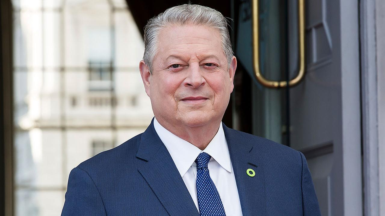 Former U.S. Vice President Al Gore poses for photographers on arrival at the premiere of the film An Inconvenient Sequel: Power to Truth, in London, Thursday, Aug.10, 2017