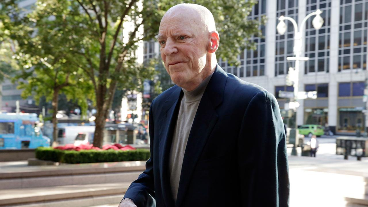 Texans owner Bob McNair meets with players