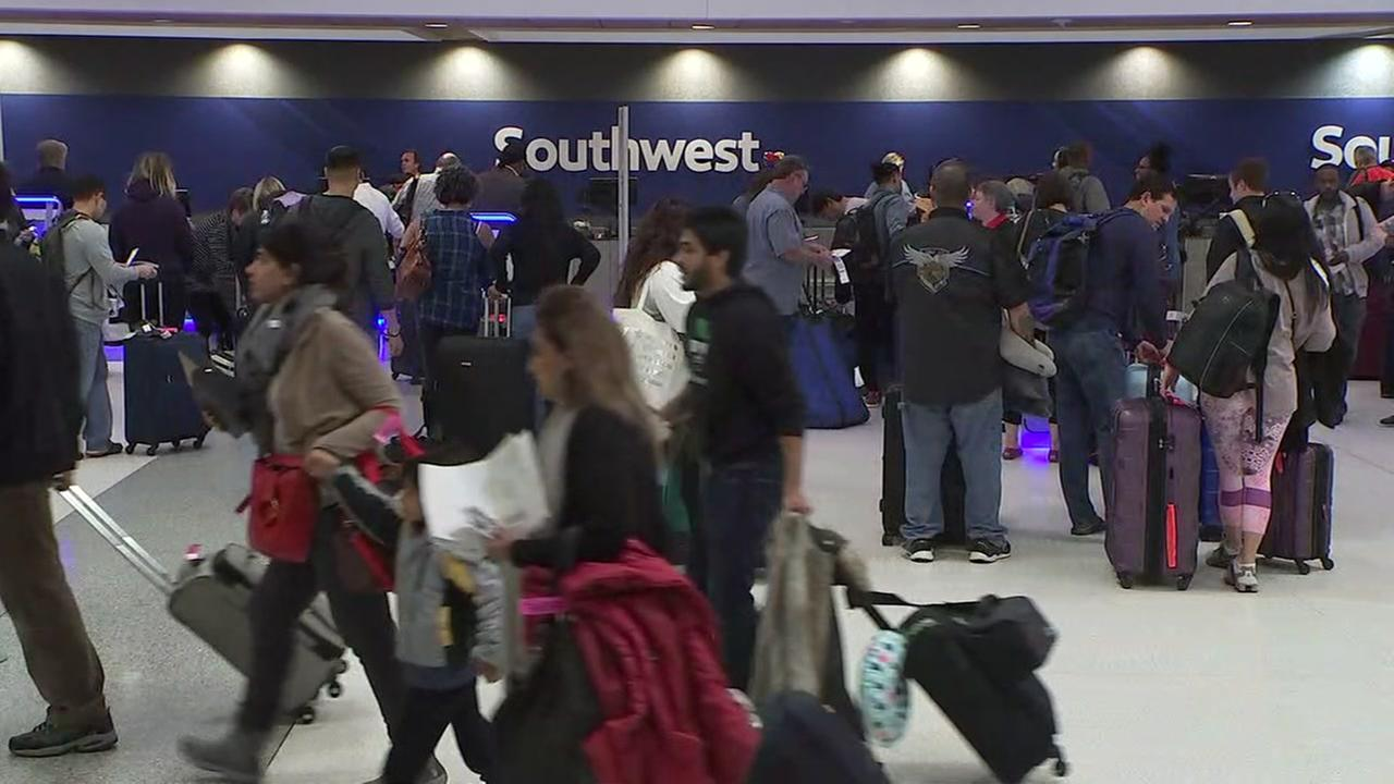 Thanksgiving travel lines already forming at Hobby Airport