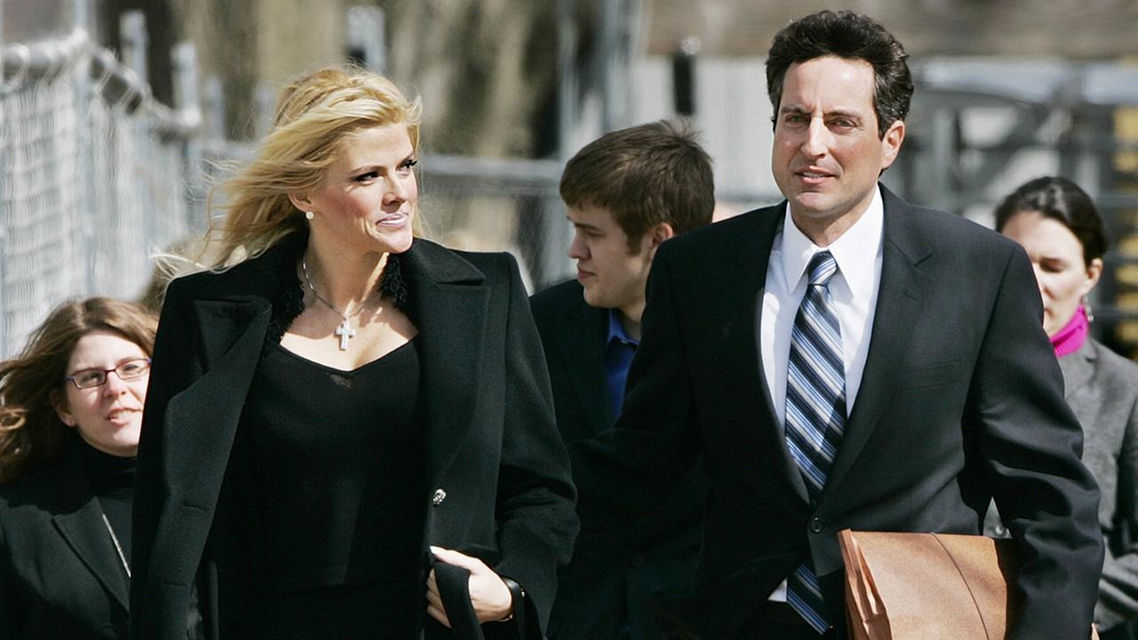 Anna Nicole Smith, left, and her lawyer, Howard K. Stern