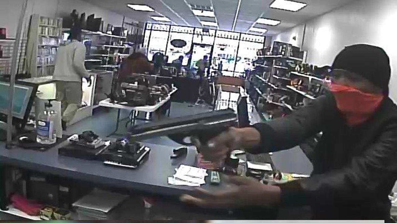 Pawn shop robbery suspects caught in West Memphis