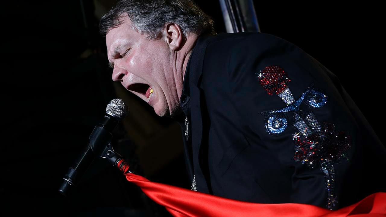 Meat Loaf performs in support of Republican presidential candidate and former Massachusetts Gov. Mitt Romney at the football stadium at Defiance High School in Defiance, OH