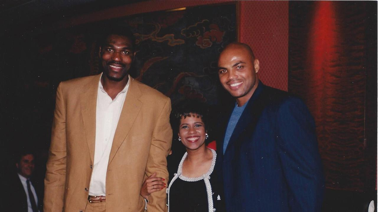 Melanie Lawson with Hakeem Olajuwon and Charles Barkley