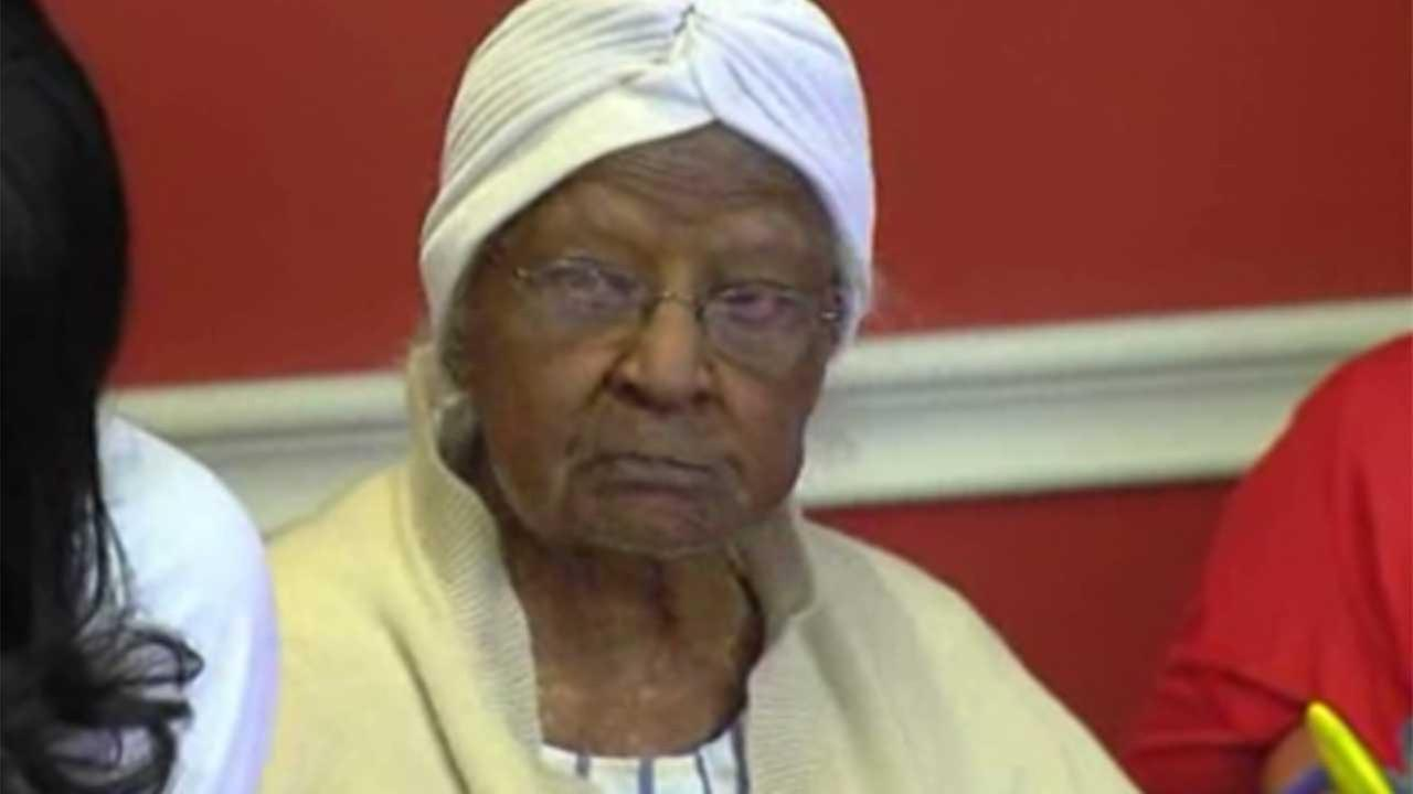 Oldest woman celebrates birthday