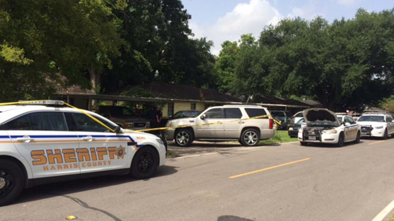 Harris County Sheriffs deputies vehicles on the scene of a murder investigation in northeast Harris County