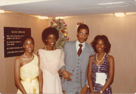 "<div class=""meta image-caption""><div class=""origin-logo origin-image none""><span>none</span></div><span class=""caption-text"">Melanie Lawson with her brother, Eric, and two of her sisters, Cheryl and Roxanne</span></div>"