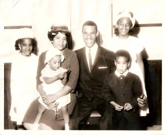 "<div class=""meta image-caption""><div class=""origin-logo origin-image none""><span>none</span></div><span class=""caption-text"">Melanie Lawson with her siblings and parents</span></div>"
