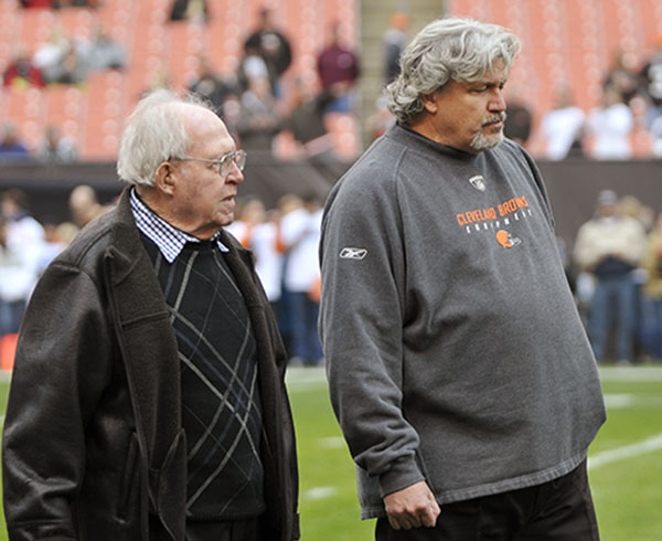 <div class='meta'><div class='origin-logo' data-origin='none'></div><span class='caption-text' data-credit='AP'>Browns defensive coordinator Rob Ryan, right, walks with his father, Buddy Ryan, Sunday, Nov. 14, 2010, Rob's twin Rex, is head coach of the Jets. (AP Photo/David Richard)</span></div>
