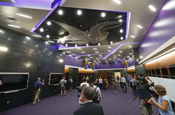 "<div class=""meta image-caption""><div class=""origin-logo origin-image ap""><span>AP</span></div><span class=""caption-text"">The Norseman logo hangs from the ceiling in the new locker room of the Minnesota Vikings in U.S. Bank stadium (AP Photo/Jim Mone) (AP)</span></div>"
