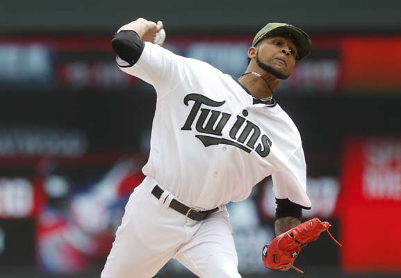 """<div class=""""meta image-caption""""><div class=""""origin-logo origin-image ap""""><span>AP</span></div><span class=""""caption-text"""">Minnesota Twins pitcher Ervin Santana throws against the Houston Astros in the first inning of a baseball game Monday, May 29, 2017, in Minneapolis. (AP Photo/Jim Mone) (AP)</span></div>"""
