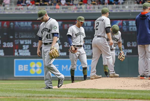 """<div class=""""meta image-caption""""><div class=""""origin-logo origin-image ap""""><span>AP</span></div><span class=""""caption-text"""">Houston Astros pitcher Brad Peacock leaves in the fifth inning of a baseball game against the Minnesota Twins, Monday, May 29, 2017 in Minneapolis. (AP Photo/Jim Mone) (AP)</span></div>"""