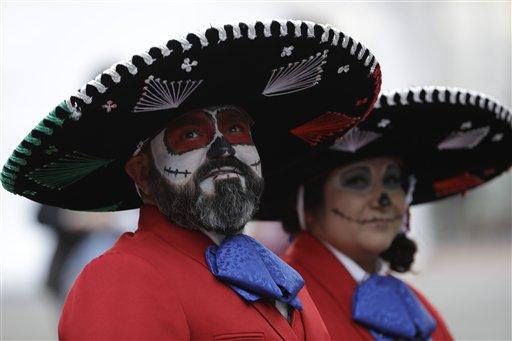 "<div class=""meta image-caption""><div class=""origin-logo origin-image ap""><span>AP</span></div><span class=""caption-text"">Houston Texans fans arrive to Azteca Stadium before an NFL football game against the Oakland Raiders Monday, Nov. 21, 2016, in Mexico City. (AP Photo/Eduardo Verdugo)</span></div>"