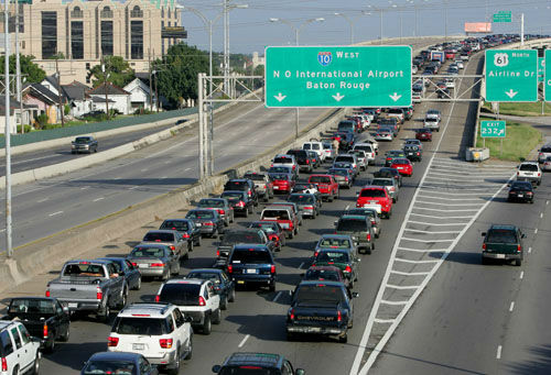 "<div class=""meta image-caption""><div class=""origin-logo origin-image none""><span>none</span></div><span class=""caption-text"">Interstate-10 westbound out of New Orleans continues to be jammed with traffic as residents evacuate ahead of Hurricane Katrina on Sunday, Aug. 28, 2005.  (AP Photo/ DAVE MARTIN)</span></div>"