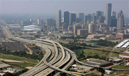 "<div class=""meta image-caption""><div class=""origin-logo origin-image none""><span>none</span></div><span class=""caption-text"">The roadways on the south side of Houston are virtually empty in this unusual view of the city that always has heavy traffic on Thursday, Sept. 22, 2005. (AP Photo/Pat Sullivan) (AP Photo/ PAT SULLIVAN)</span></div>"