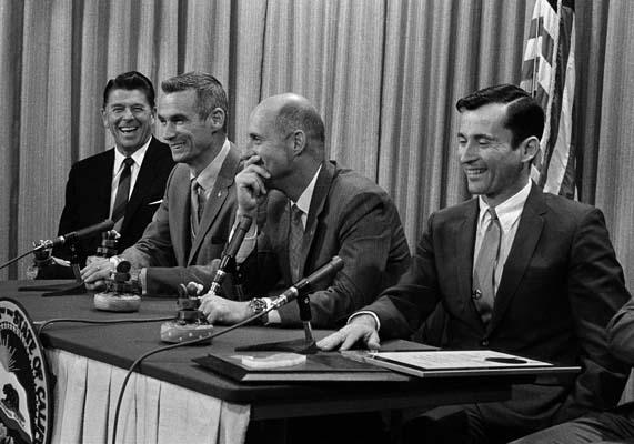 <div class='meta'><div class='origin-logo' data-origin='AP'></div><span class='caption-text' data-credit='AP'>California Governor Ronald Reagan, left, and Apollo 10 astronauts share a laugh during a news conference in Sacramento. (AP Photo/Walter J. Zeboski)</span></div>