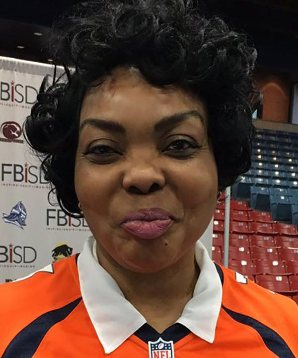 <div class='meta'><div class='origin-logo' data-origin='KTRK'></div><span class='caption-text' data-credit=''>Houston-area's Russell Okung's mom was out supporting parents.</span></div>