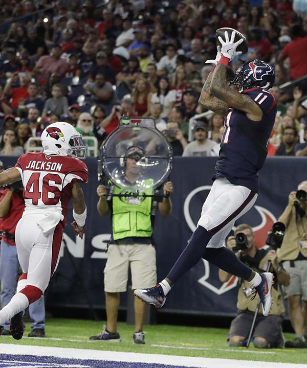 """<div class=""""meta image-caption""""><div class=""""origin-logo origin-image none""""><span>none</span></div><span class=""""caption-text"""">Houston Texans wide receiver Jaelen Strong (11) pulls in a catch for a touchdown in front of Arizona Cardinals defensive back Asa Jackson (46) (AP Photo/Jeff Roberson) (AP)</span></div>"""
