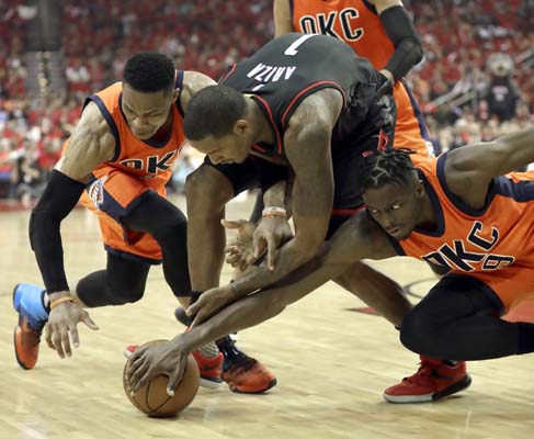 "<div class=""meta image-caption""><div class=""origin-logo origin-image ktrk""><span>KTRK</span></div><span class=""caption-text"">Houston Rockets' Trevor Ariza (1) battles Oklahoma City Thunder's Russell Westbrook, left, and Jerami Grant (9) for a loose ball during the second half. (AP Photo/David J. Phillip) (AP)</span></div>"