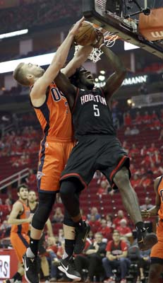 "<div class=""meta image-caption""><div class=""origin-logo origin-image ktrk""><span>KTRK</span></div><span class=""caption-text"">Houston Rockets' Montrezl Harrell (5) is fouled by Oklahoma City Thunder's Domantas Sabonis during the second half in Game 1. (AP Photo/David J. Phillip) (AP)</span></div>"