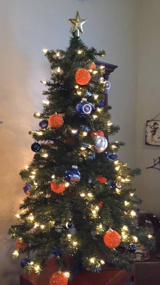 <div class='meta'><div class='origin-logo' data-origin='KTRK'></div><span class='caption-text' data-credit=''>Fans continue to celebrate World Series win with Astros-themed Christmas decorations</span></div>