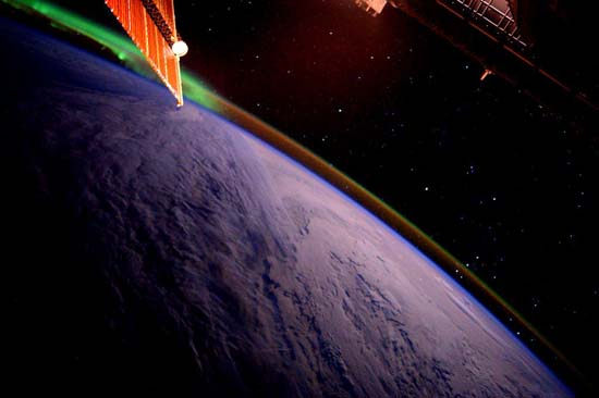 <div class='meta'><div class='origin-logo' data-origin='none'></div><span class='caption-text' data-credit=''>Sunrise from the Space Station</span></div>