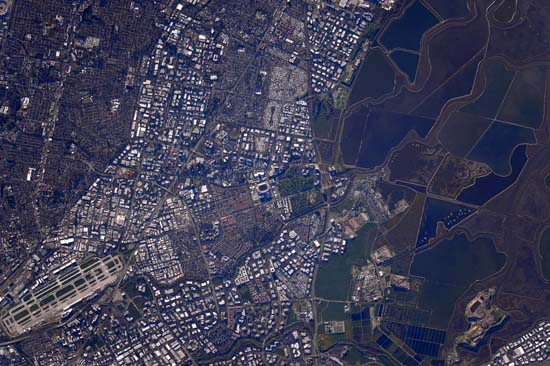 <div class='meta'><div class='origin-logo' data-origin='none'></div><span class='caption-text' data-credit='@StationCDRKelly/NASA'>The Super Bowl from space</span></div>