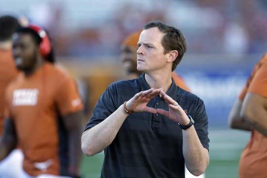 "<div class=""meta image-caption""><div class=""origin-logo origin-image ap""><span>AP</span></div><span class=""caption-text"">Major Applewhite is currently the UH offensive coordinator and was previously the offensive coordinator at UT. ((AP Photo/Eric Gay))</span></div>"
