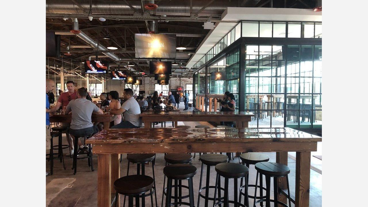 Pitch 25 Beer Park. | Photo: Trang B./Yelp