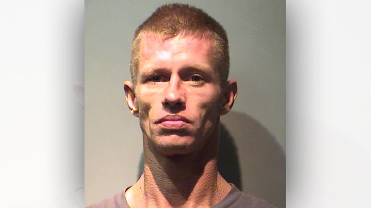 Steven Sanson Smith, 29
