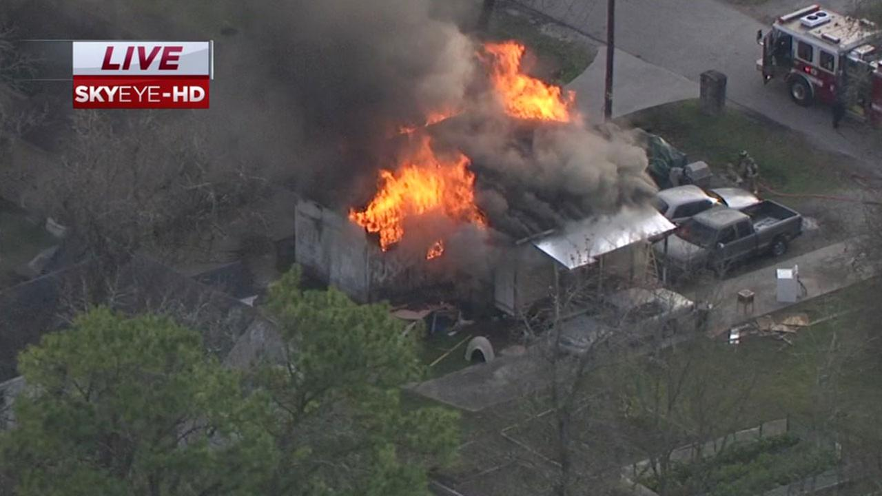 WATCH LIVE: SkyEye HD over the scene of a house fire in northeast Houston