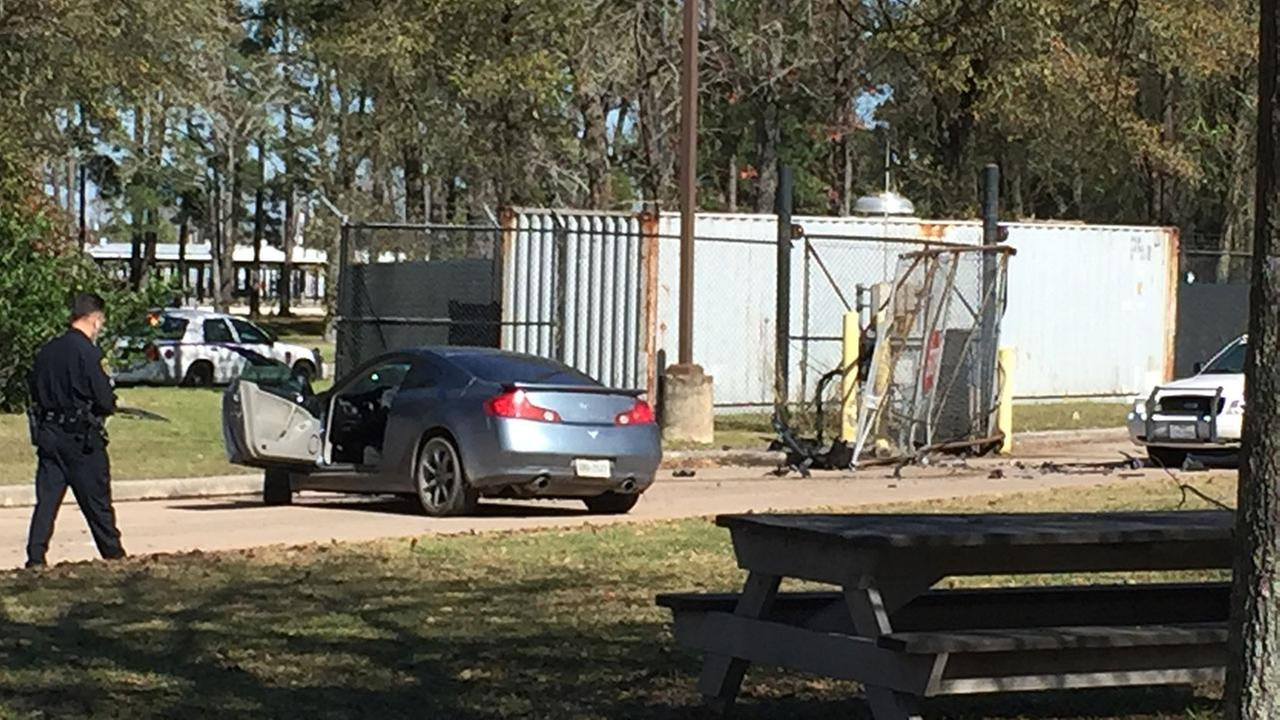 Chase suspects disappear into wooded area near Bush airport