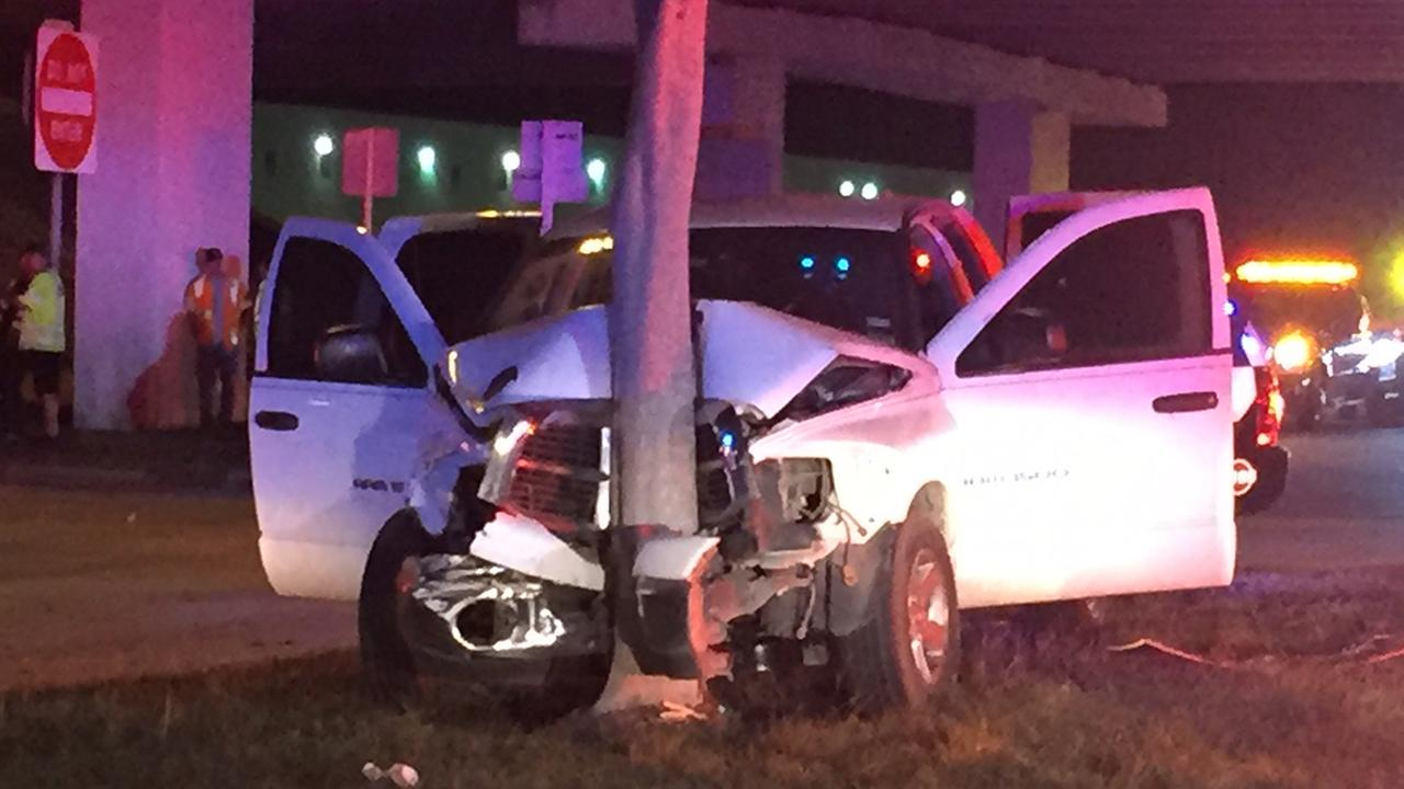 Seven people, including five kids, transported to hospital after wreck in north Houston