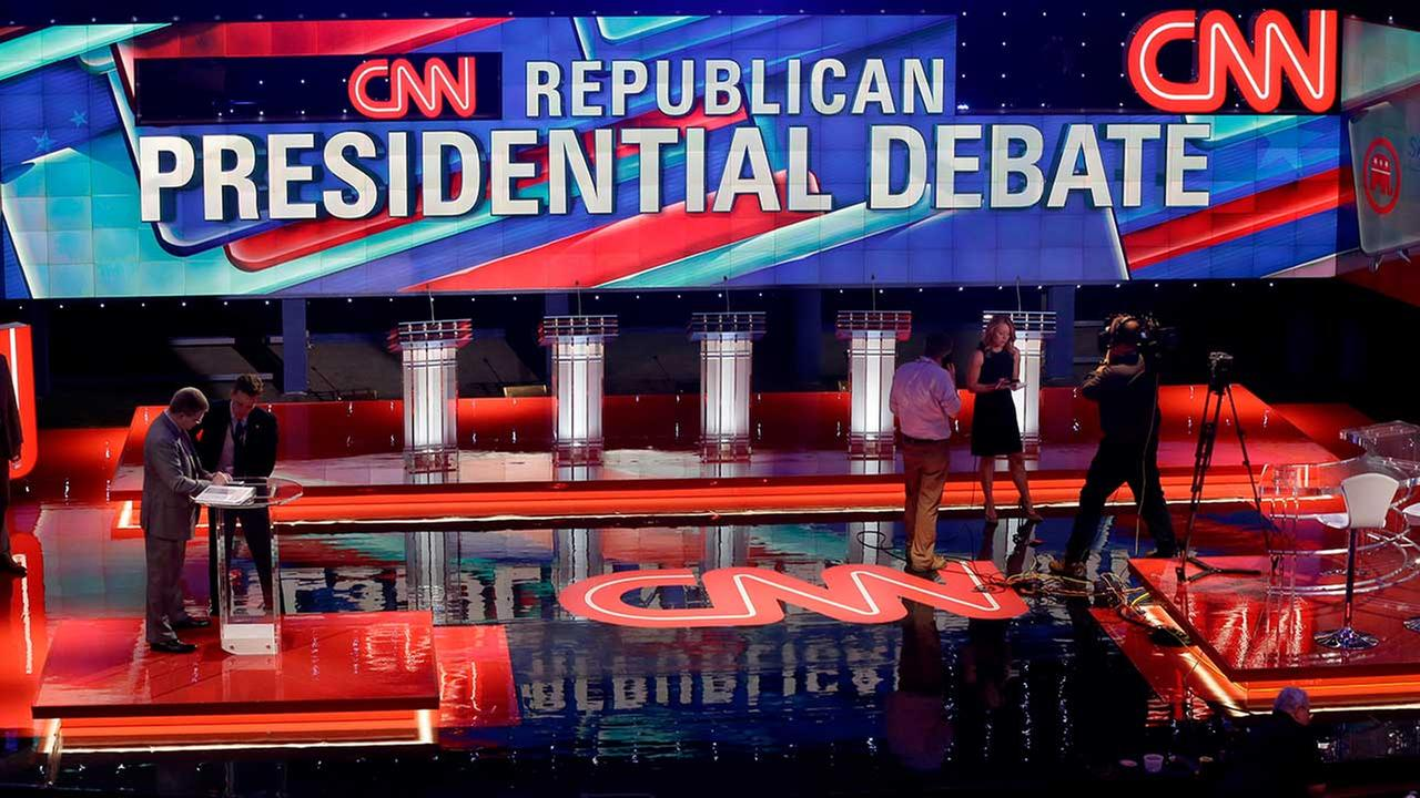 Live candidate tweets during tonight's GOP debate