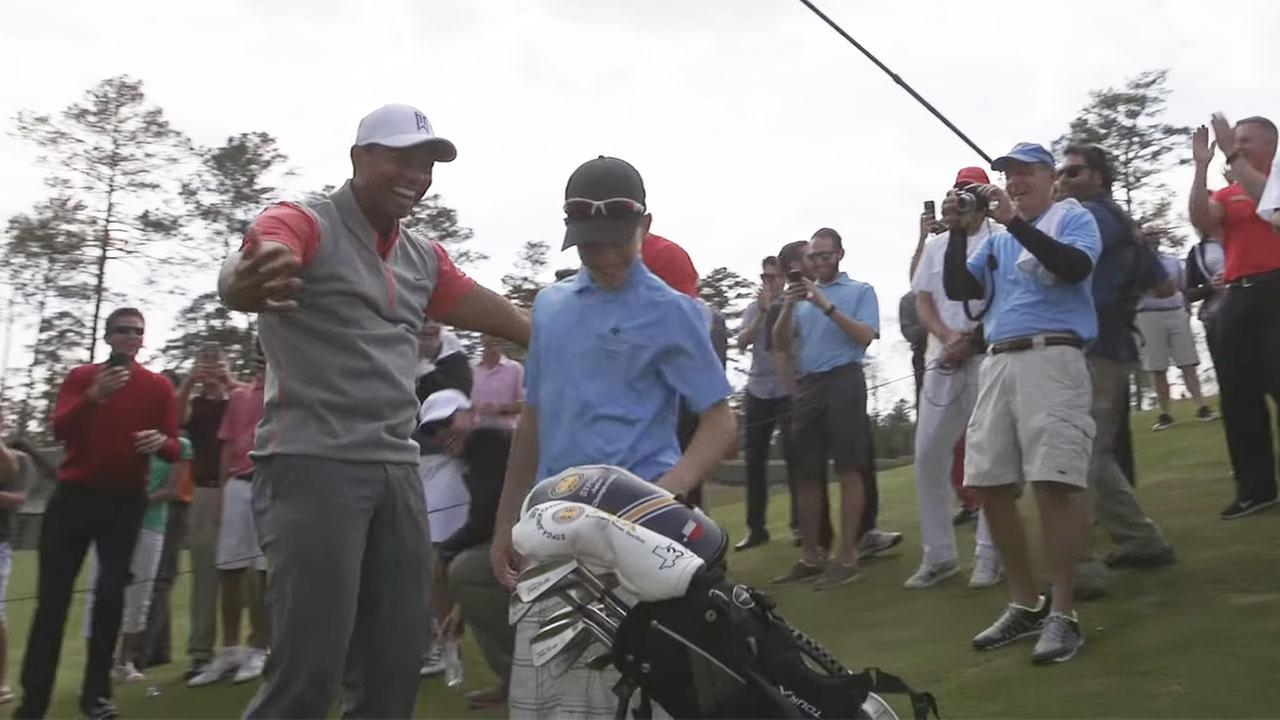 Video 11 Year Old Sinks Hole In One At Tiger Woods