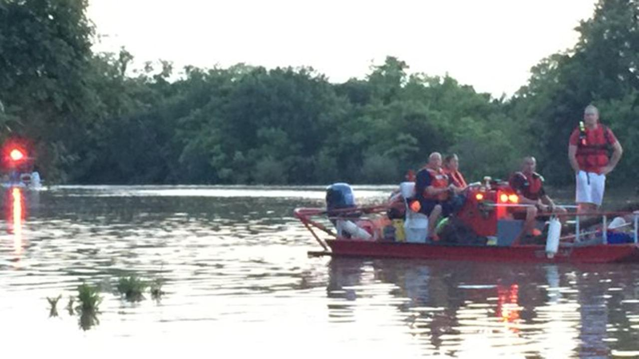 Man missing after fall off boat in League City