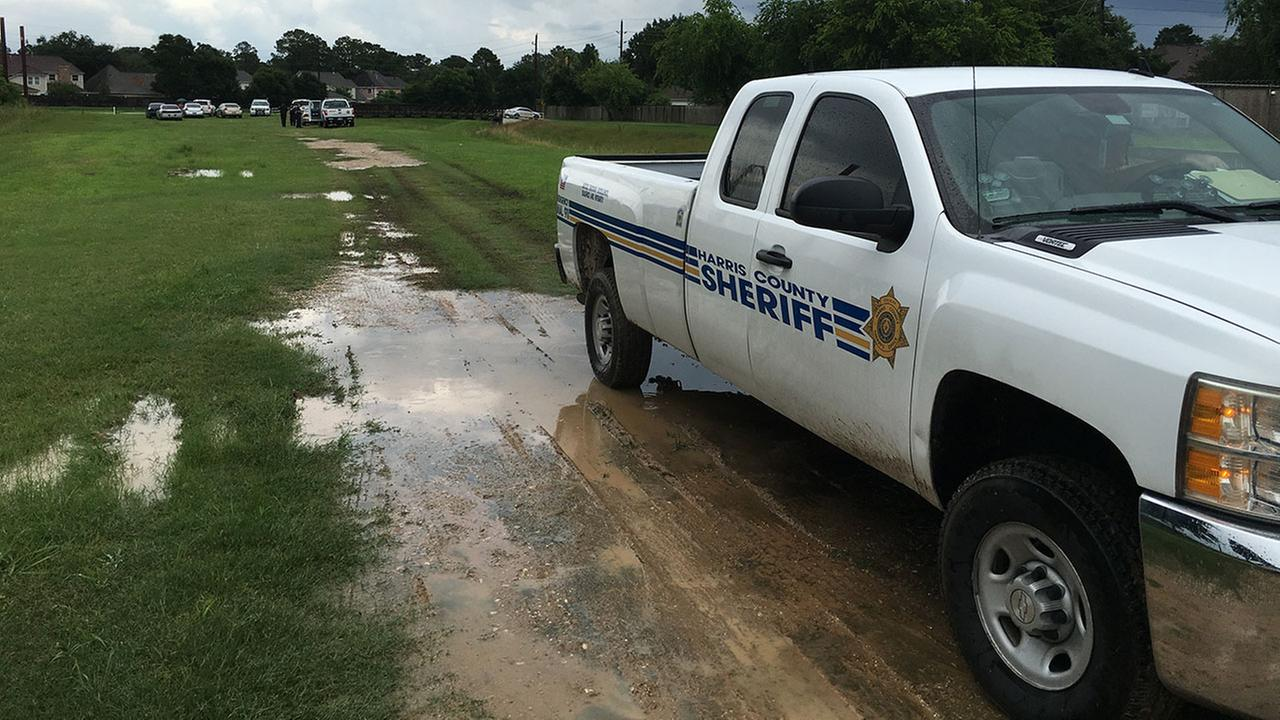 Authorities recover male body in Mason Creek in Katy