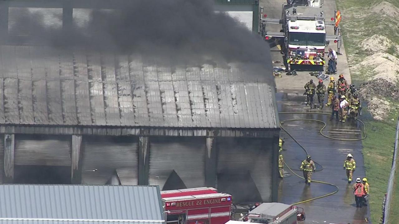 Firefighters battle big storage fire in Bacliff