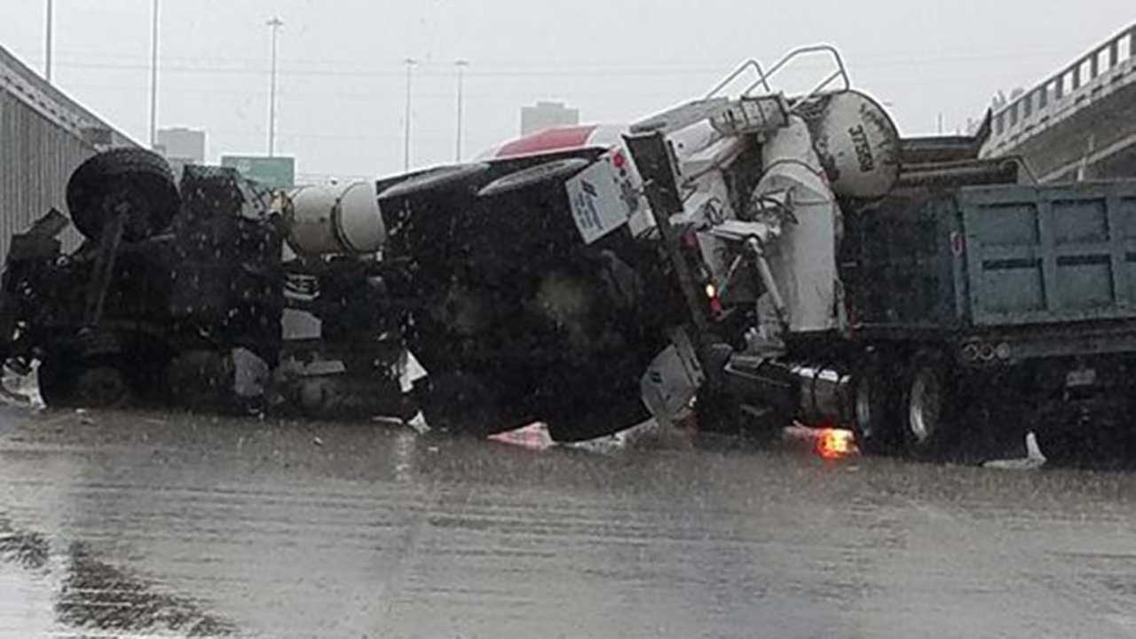 Overturned truck causes traffic mess on 59