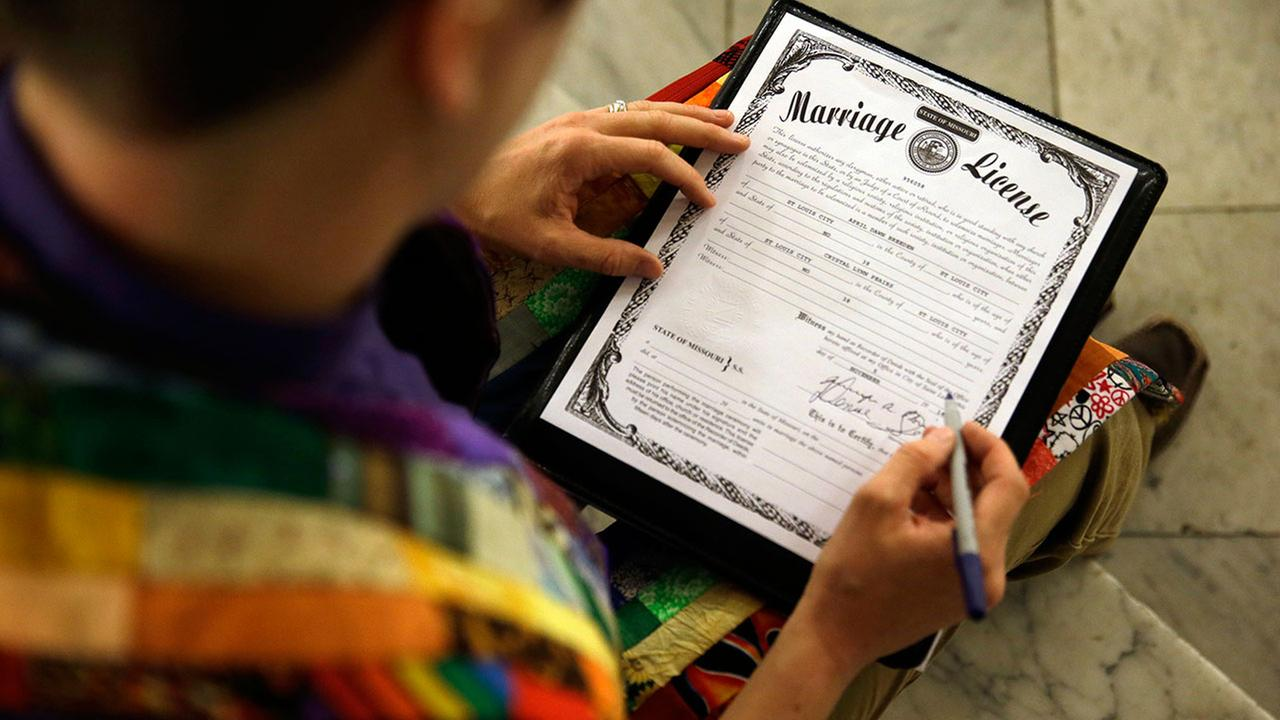 Federal appeals court rules in favor of gay marriage ban
