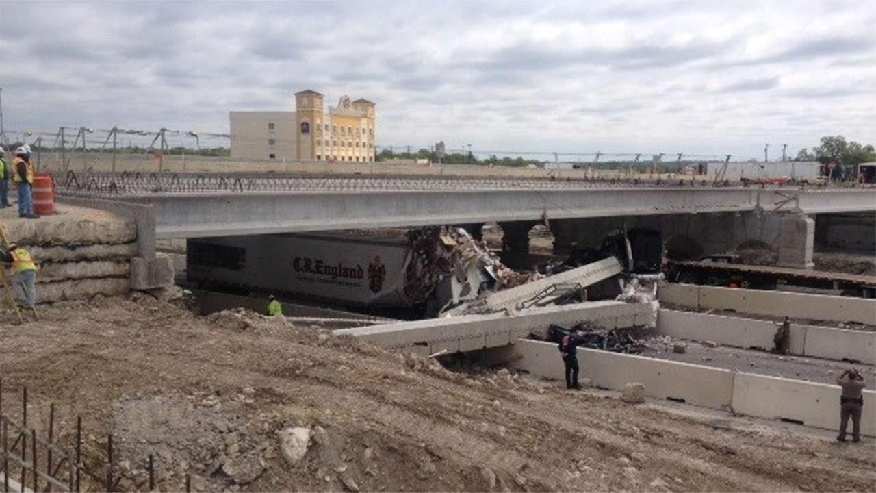 Authorities are responding to a report of a bridge overpass that has collapsed on I-35 in Salado