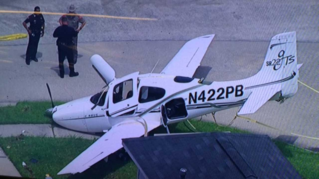 Plane down in north Harris County