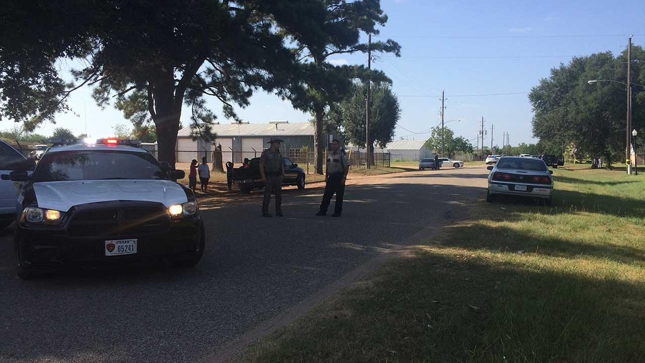 One dead following officer involved shooting in brookshire for La porte tx breaking news