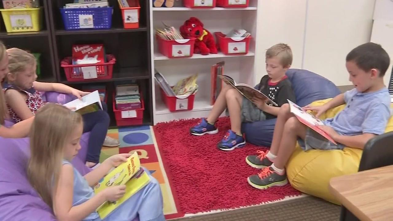 New Caney ISD creates classroom libraries to encourage reading