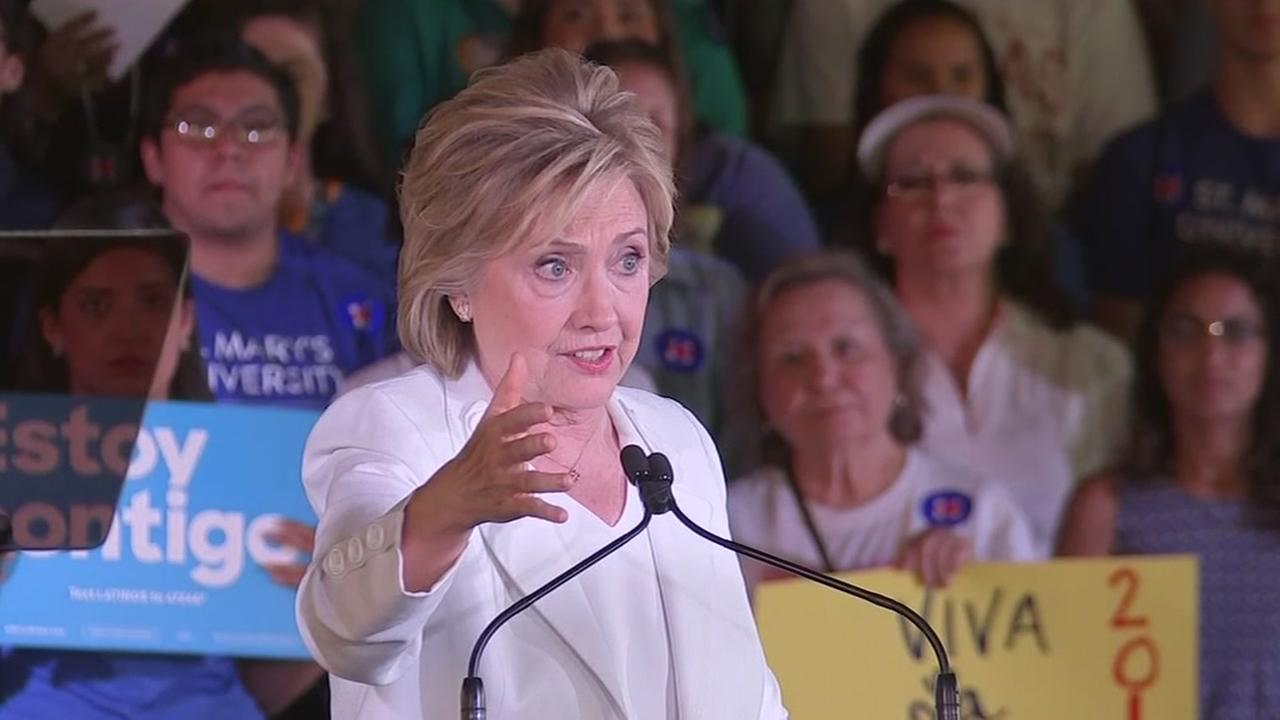 Hillary returns to Texas to court Hispanic voters