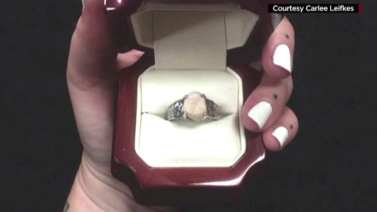 Wisdom tooth ring given to bride