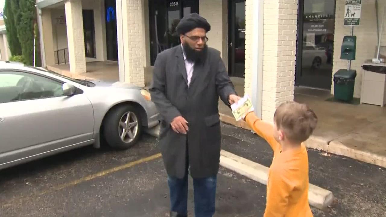 Boy donates piggy bank to vandalized mosque