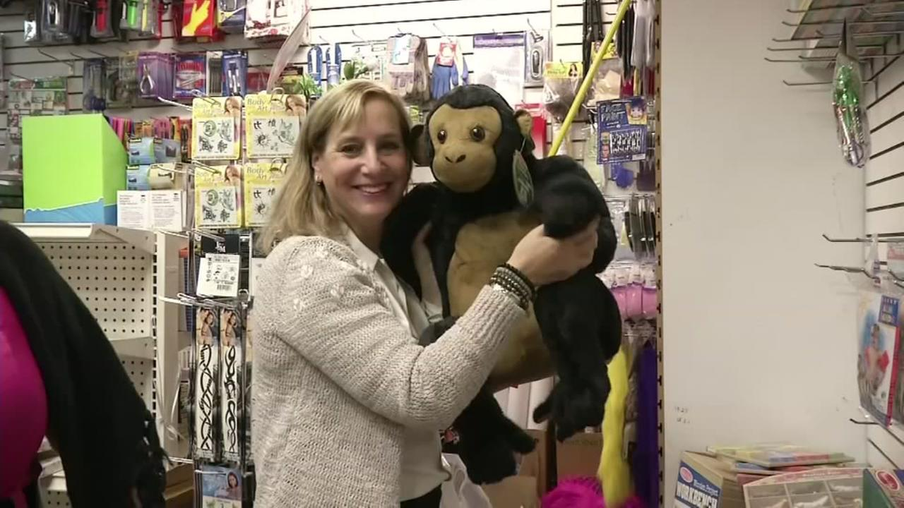 New York philanthropist donates entire toy store to poor children