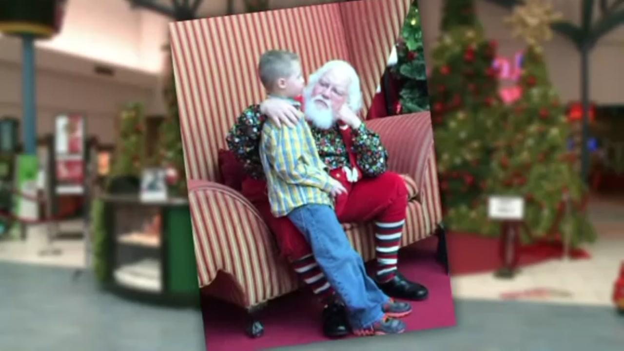 Santa photo goes viral
